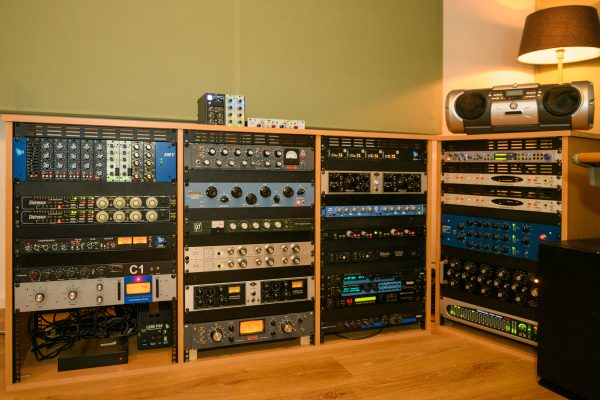 Analoge mix mixing mixage analoge outboard gear