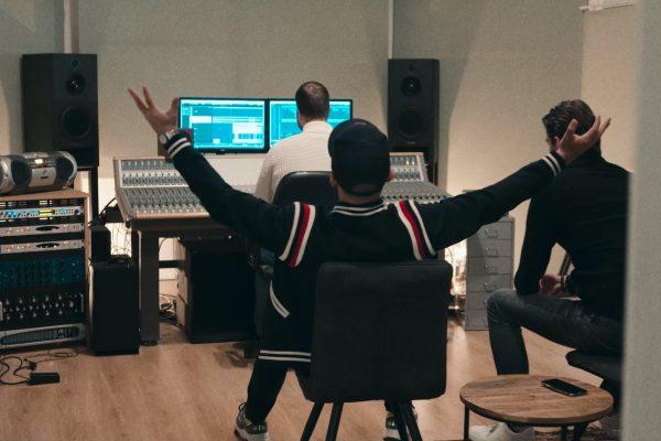 Mixage in opnamestudio Artichoque met Yves Berendse en Joel Borelli